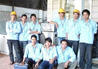 Kết quả hình ảnh cho nhân viên kỹ thuật sửa máy nước nóng
