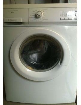 máy giặt electrolux vào điện nhưng không chạy